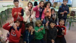 alumnos de 3 infantil y 3 Primaria del CP El Tejar para el día de San Valentín. Chocolate balls